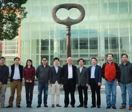 """国际著名数学家丘成桐教授到访二附中,与师生谈""""文化与创新"""""""