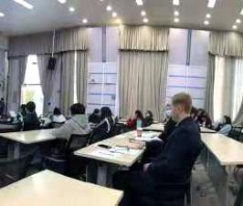 国际部举办文艺复兴电影节