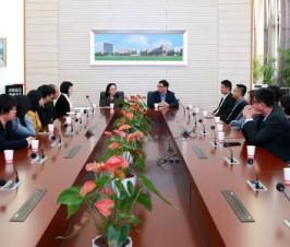 香港九龙乐善堂属校校长及教师学习交流团来访我校