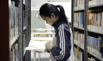 华师大二附中100%的学生阅读经典专题报道——首届读书节活动巡览